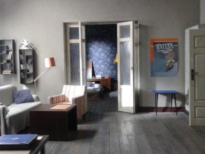 04_Mieszkanie-Tomka_zbudowane-na-planie-w-hali-ATM-Studia.jpg
