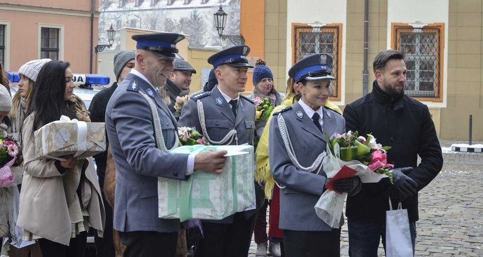 Policjantki I Policjanci Wielki Dzień Krzyśka I Emilki Wideo
