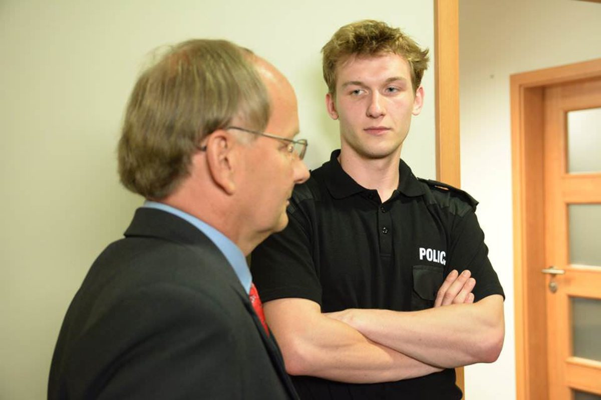 Policjantki-i-Policjanci-01.jpg