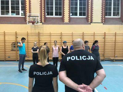 """""""Policjantki i policjanci"""": Zuza Kowal zmienia pracę? (wideo)"""